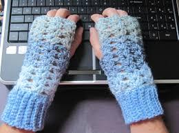 Crochet Gloves Pattern Adorable Getting Hooked Free Crochet Pattern Fingerless Gloves