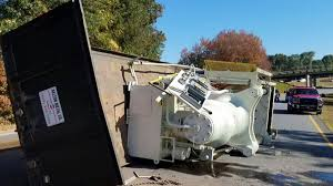 truck overturns on hwy in easley