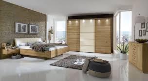Schlafzimmer Komplett In Eiche Teilmassiv Mit Schwebebett Temir