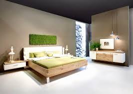 Wohnzimmer Mit Dachschräge Und Interessante Wandgestaltung And