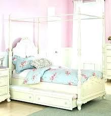 Little Girl Canopy Bed Little Girl Canopy Bed Little Girl Princess ...
