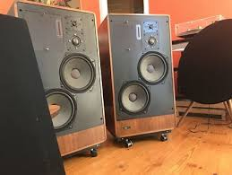 klipsch loudspeakers. high end vintage speaker collection. klipsch loudspeakers h