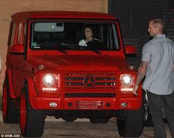 Kylie kristen jenner (los ángeles, 10 de agosto de 1997) es una empresaria, socialité, diseñadora y modelo estadounidense. Bentigos On Twitter Kylie Jenner Cruises 2015 Mercedes Red G Wagon Http T Co G5grbifs96 Http T Co Y2whfqubuk