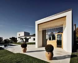 Design Exterior Case Moderne : Foto e idee per facciate di case facciata una casa moderna