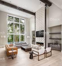 Mooie Woonkamer Interieur Met Hoog Gewelfd Plafond Loft Gebied