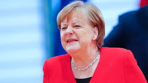 Nikolas löbel, from angela merkel's party, quits after his firm made almost €250,000 from the deal. Bce Une Bombe A Retardement Pour Angela Merkel Les Echos