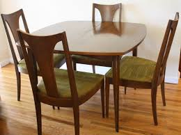 Broyhill Dining Room Table Surfboard Table With 4 Broyhill Chairs 1 Picked Vintage
