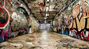 hip hop graffity in the wall background wallpaper