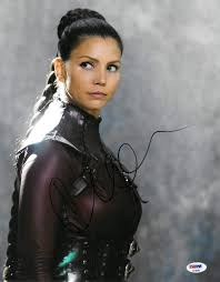 In 2002 she got married to damian hardy and on march 24, 2003 she gave birth to a boy, donovan charles. Charisma Carpenter Signed Legend Of The Seeker Autographed 11x14 Photo Psa Dna Ae45989 At Amazon S Entertainment Collectibles Store
