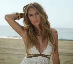 She is the daughter of sean penn and robin wright. Dylan Penn 5 Fast Facts You Need To Know Heavy Com
