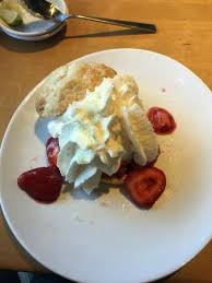 strawberry shortcake picture of california pizza kitchen houston rh tripadvisor california pizza kitchen strawberry shortcake