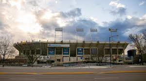 Report Garth Brooks To Hold Concert At Albertsons Stadium