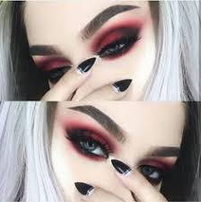 alternative fashion on insram makeup inspo