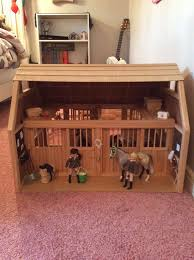 picture of how to decorate a breyer horse barn