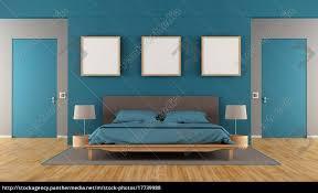 Blaues Und Braunes Modernes Schlafzimmer Lizenzfreies Foto