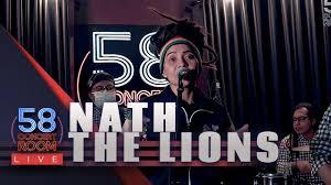 Hijau daun mengawali karier musik profesionalnya melalui label sony bmg indonesia pada bulan april 2008. Hijau Daun Live At 58 Concert Room Youtube