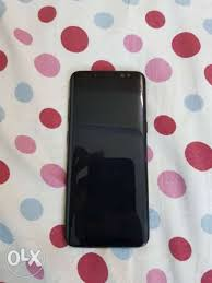 everything works fine s8 black 64gb everything works fine small chennai mobile
