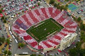 Arkansas Fans Get A Grip War Memorial Stadium Tradition