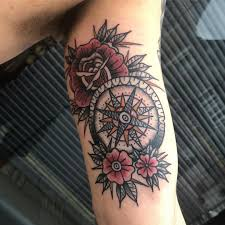 155 Cool Compass Tattoo Designs Meaning Aftercare Tips Rawiya