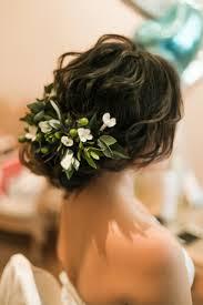 フラワーコーディネーター監修結婚式お花を使った花嫁髪型アレンジの