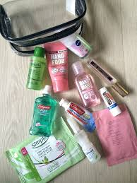 2df9c9cd9de65c91080d8323a4a35369 beauty travel essentials carry on essentials long flights
