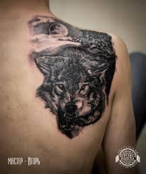 тату на грудине мужские фото волк