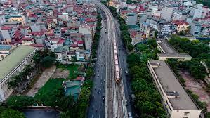 Ảnh flycam: Tàu đường sắt Nhổn - ga Hà Nội lăn bánh qua nhiều tuyến phố -  Tin tức