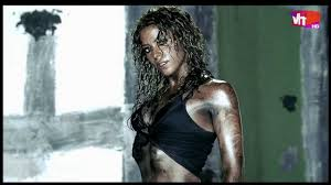 Shakira - La Tortura (HD) - YouTube