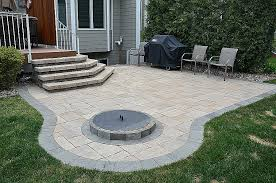 building a fire pit with pavers awesome round patios round patio designs you should not miss