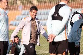 Emre Belözoğlu, Başakşehir'de ilk antrenmanına çıktı