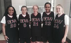 Leaving a legacy: EDW seniors want to make championship run in final season  - Sports - Daily Comet - Thibodaux, LA