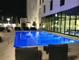 el hotel hilton garden inn de 154 cuartos se encuentra en el área más dinámica de la ciudad y ofrece a sus huéspedes amplios cuartos y una atmósfera