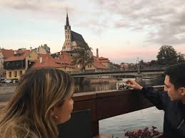 Five czech women living abroad