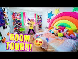 You can read a brief explainer about her here. Jojo Siwa S Room Tour Youtube