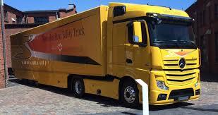 Photos, video: Truck platooning system with autonomous cruising ...
