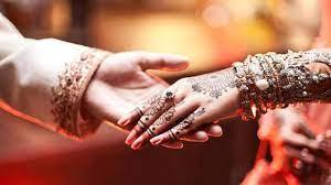 Hands Holding Couple Love Wedding ...