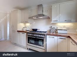 Kitchen Design With Range Cooker Home Design