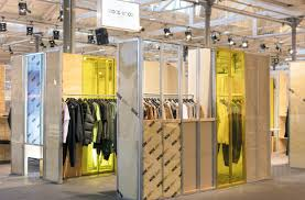 Fashion Booth Design Wood Wood Revolver Spacon X