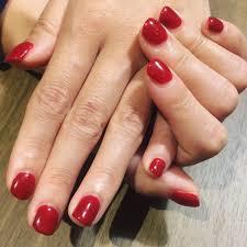 紗巴美 On Twitter 昨日はシンプルな赤の一色ネイルをやらせてもらい