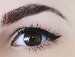 winged eyeliner done on a with hooded eyes