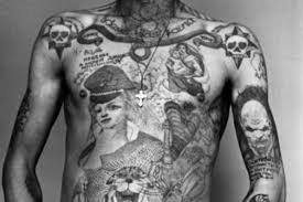 почему советские зэки били себе татуировки с нацистскими мотивами