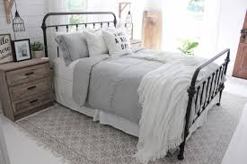 not every is fortunate enough to have a huge master bedroom in their home it can be tough to decorate your room with huge ideas but limited space