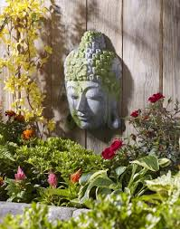 buddha garden. Moss-Covered Buddha Garden Decoration Idea