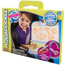 Gelangen die kinder mal mit dem stift an die kleidung, den fußboden oder die wände, hinterlässt der stift keine farbige spur. Aquadoodle Accessories Travel Doodle Neon Toys Games Amazon Com