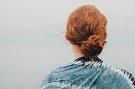 簡単シニヨンアレンジすぐ出来ておしゃれなまとめ髪のやり方 大人