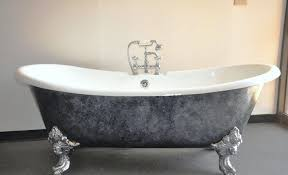 image of old clawfoot tubs for