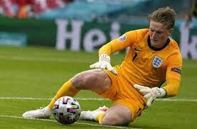 Jordan Pickford bei der EM 2021: Englands Torwart holt sich Rekord - und  kassiert Tor - Fußball - Stuttgarter Zeitung