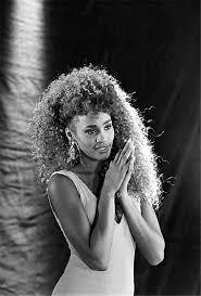 whitney black white. Whitney Houston, 1987 Black White N