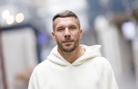 Aug 21, 2021 · fußballstar lukas podolski ist der erste neue juror bei das supertalent. U6ih Mrlux5cbm