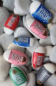Converse Painted Rocks...these are the BEST Rock Painting Ideas!